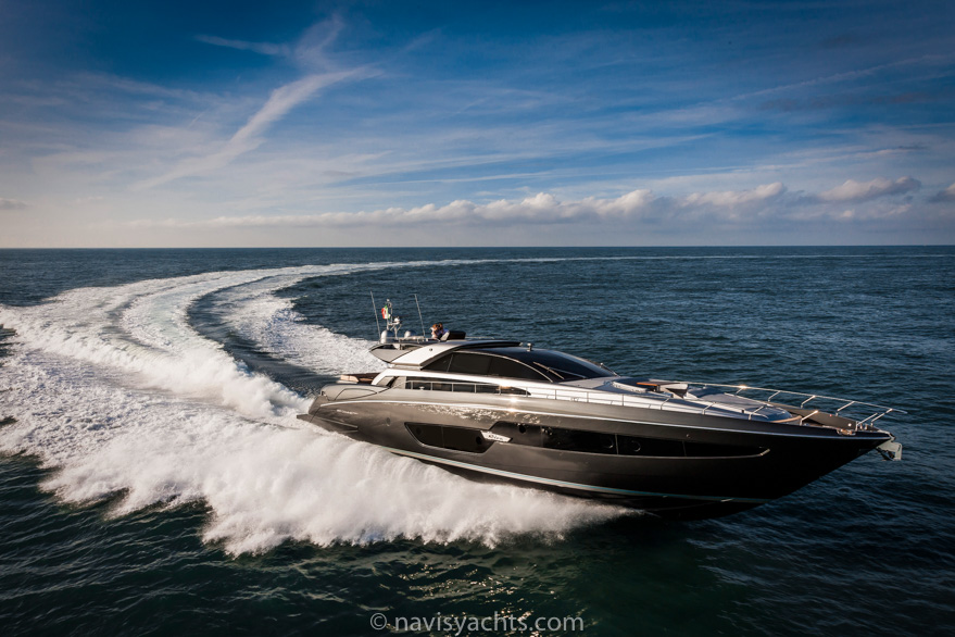 Riva Superyacht Domino Super