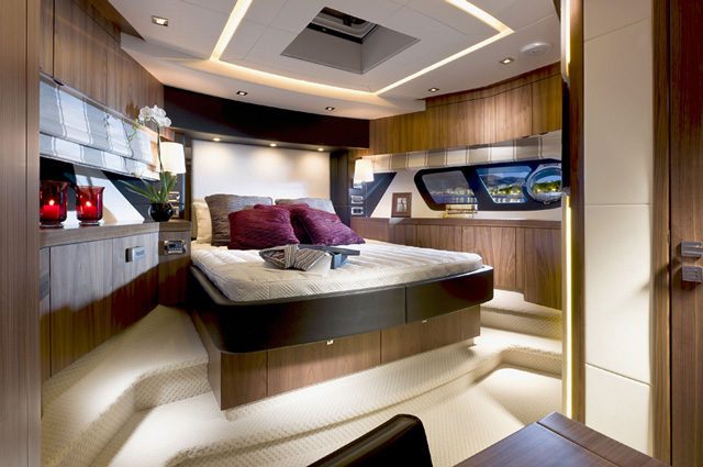 Sunseeker Manhattan 73 Fwd Cabin