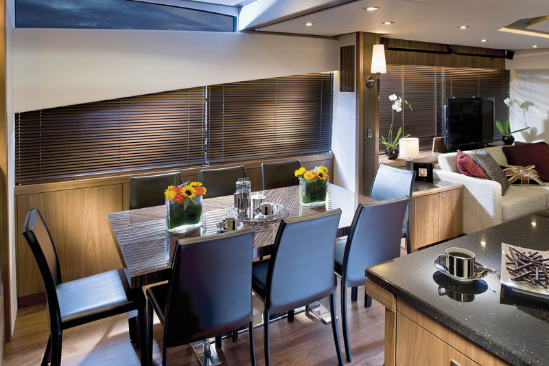 Sunseeker Manhattan 73 Dining Area
