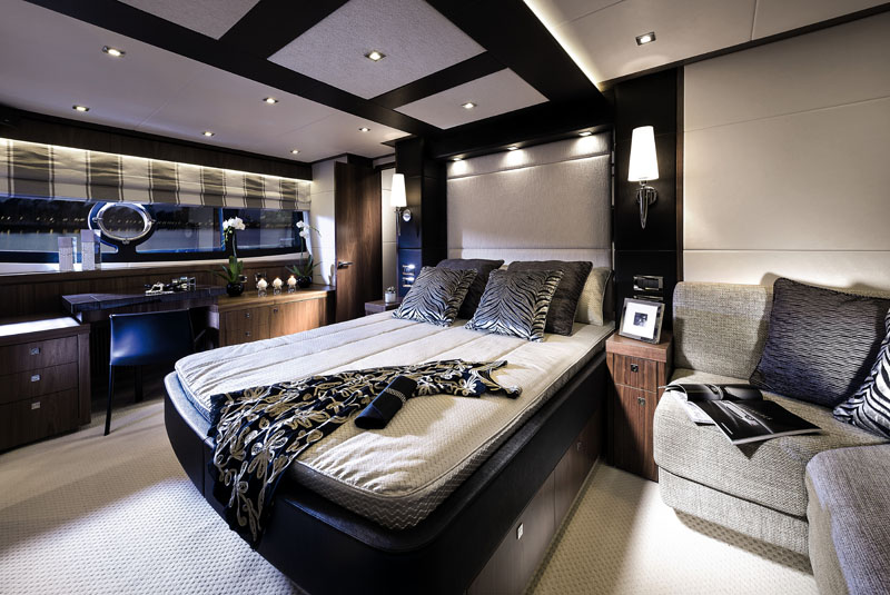 Sunseeker Manhattan 73 Owners Stateroom